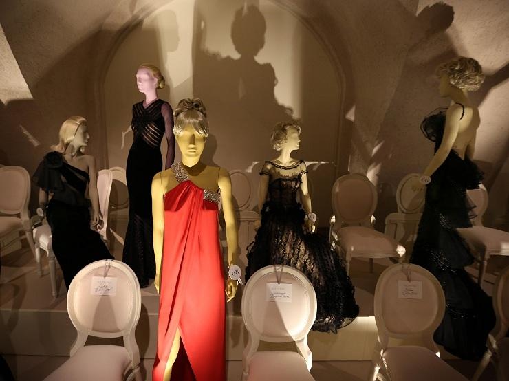 Valentino in mostra alla Somerset House 157210057PM00010 Valentino