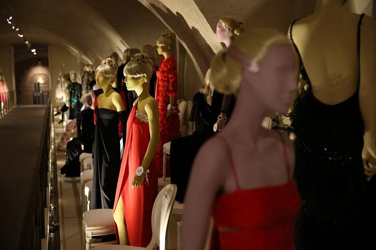 Valentino in mostra alla Somerset House 157210057PM00012 Valentino