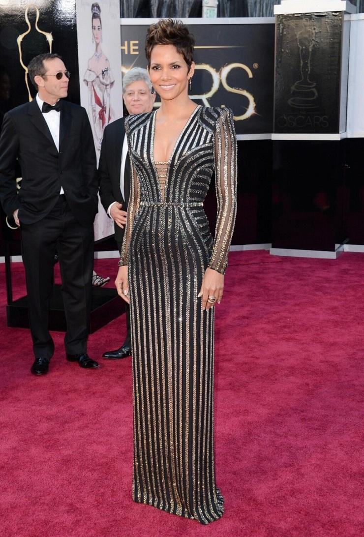 E l'Oscar va a … 347756 oscars 2013 best dressed part 2 halle berry salma hayek jennifer anist