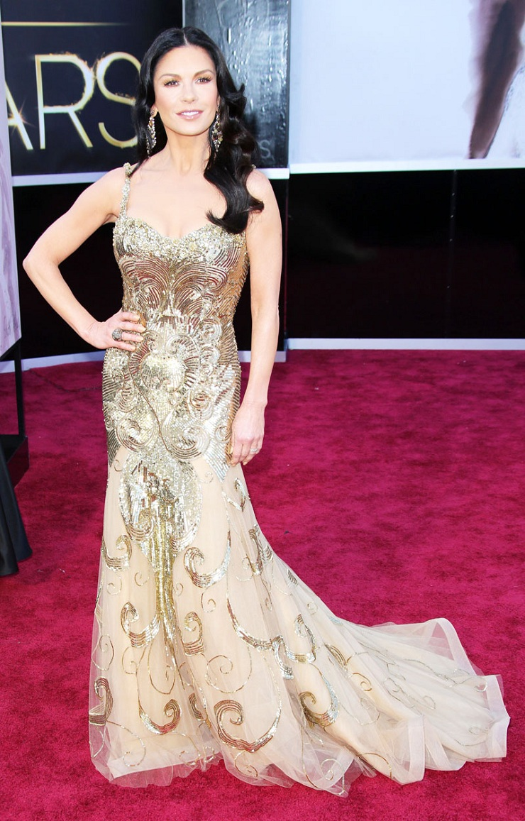 E l'Oscar va a ... 913798542catherine zeta jones in zuhair murad oscars 2013 pret a pregnant