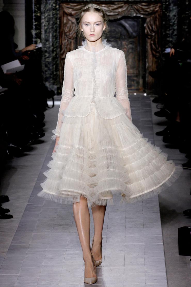 Valentino Alta Moda Primavera 2013 rsz valentino couture spring 2013 19 17201764631