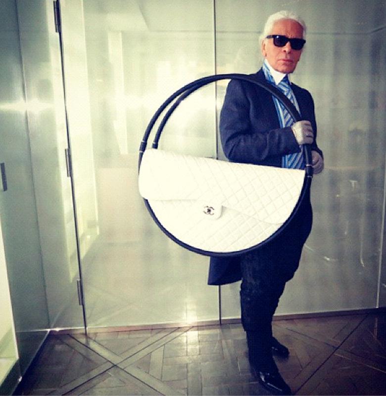 Karl Lagerfeld Chanel Hula Hoop   Chanel Hula Hoop bag Karl Lagerfeld Hula Hoop