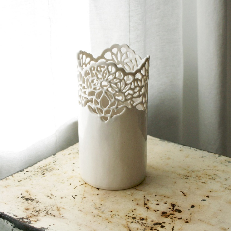 AD Home Design Show 2013 November 30  2012 small carved lace vase 1