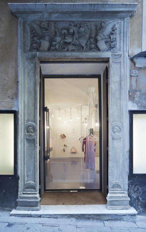 Il Salotto boutique, Gosplan Dezeen Il Salotto by Gosplan 2