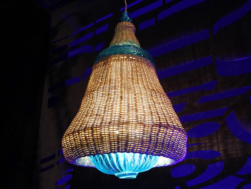 lampada del soffitto 'Galaxia', fatto di bambù e di laguna blu di cristallo  Dramma a ICFF! Belle lampade di Baccarat & Campana Brothers fusion02