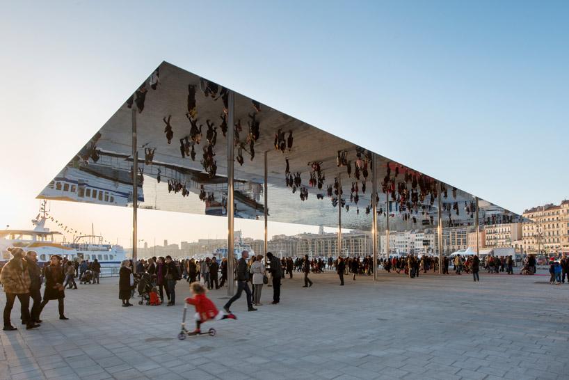 Vieux Port Pavilion Norman Foster, Marseille  Preparati per l'estate 2013: 10 padiglioni esterni Vieux Port Pavilion norman foster