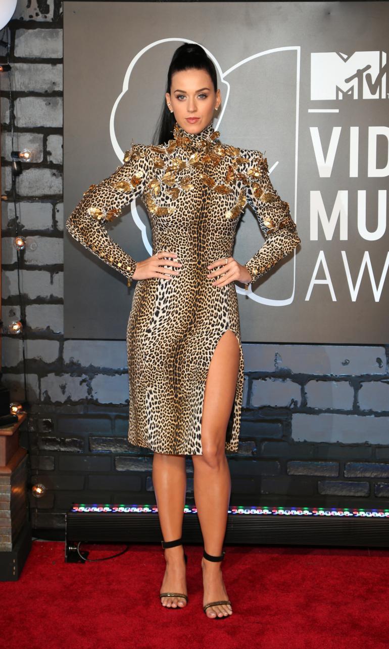 Ogni sguardo di VMA Tappeto rosso 2013  MTV VMA Tappeto rosso 2013 Katy Perry Emanuel Ungaro