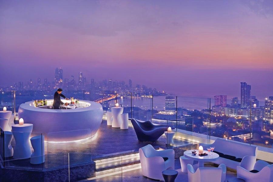 Le 8 migliori bar panoramiche del mondo  Le 7 migliori bar panoramiche del mondo rooftop restaurants bars 15 aer mumbai