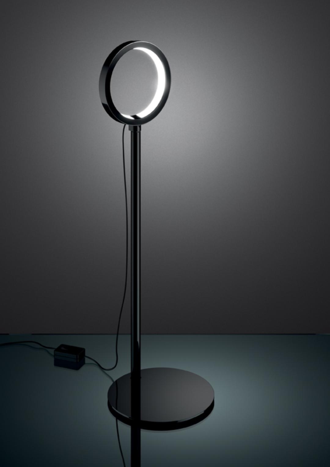Artemide Ipparco  Design che aggiungono utilità e comodità per Salotto Ipparco Artemide