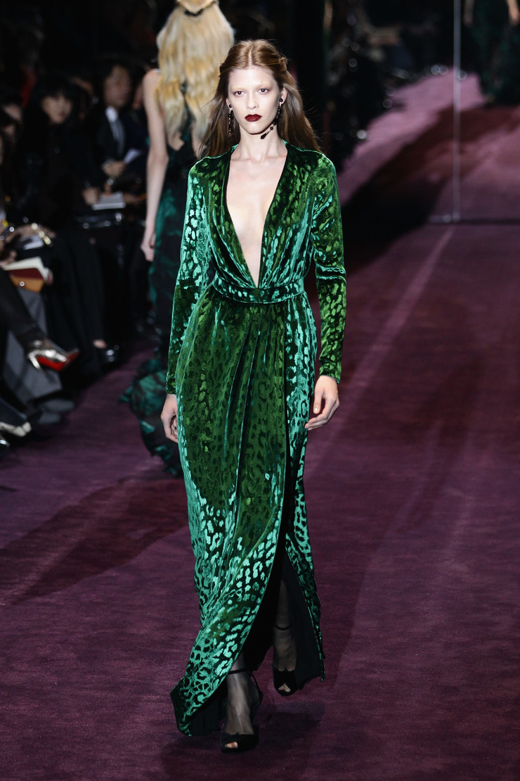 """Gucci: Runway - Milan Fashion Week 2012/2013""  Verde smeraldo: 2013 colore di Pantone Verde Smeraldo Color 2013 Pantone GucciGreen"