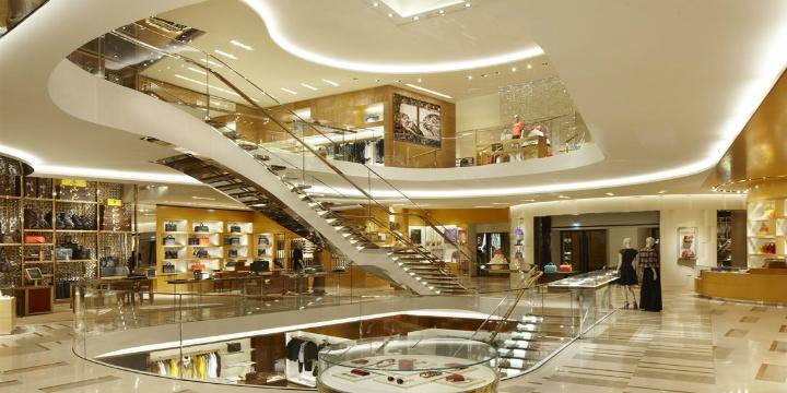 Il top 5 negozi di mobili e design in italia spazi di lusso for Mobili di lusso outlet