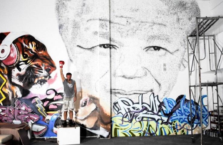 Pittura dello artista di Shanghai Phil Akashi - Nelson Mandela  Come Nelson Mandela ha ispirato il mondo dell'arte Come Nelson Mandela ha ispirato il mondo dellarte Pittura2