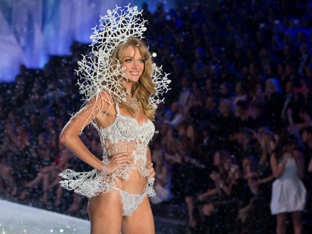 """""""Lindsay Ellingson - Victoria's Secret show""""  Per Capodanno 2014: la lingerie 3D di Victoria's Secret Per Capodanno 2014 la lingerie 3D di Victorias Secret"""