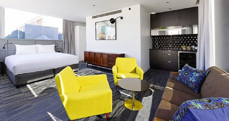 """""""1888 Hotel, Sydney"""" giallo Tendenze: arredare con il giallo Tendenze arredare con il giallo 1888 Hotel Sydney  CONTATTACI Tendenze arredare con il giallo 1888 Hotel Sydney"""