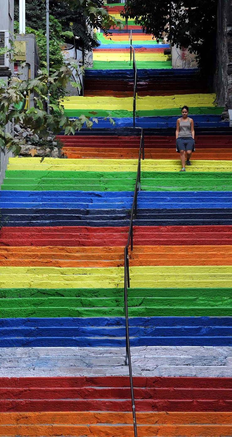 """""""17 delle più belle scale in tutto il mondo - Istanbul, Turkey""""  Il nostro articolo più popolare – 17 delle più belle scale in tutto il mondo 17 delle pi   belle scale in tutto il mondo Istanbul Turkey"""