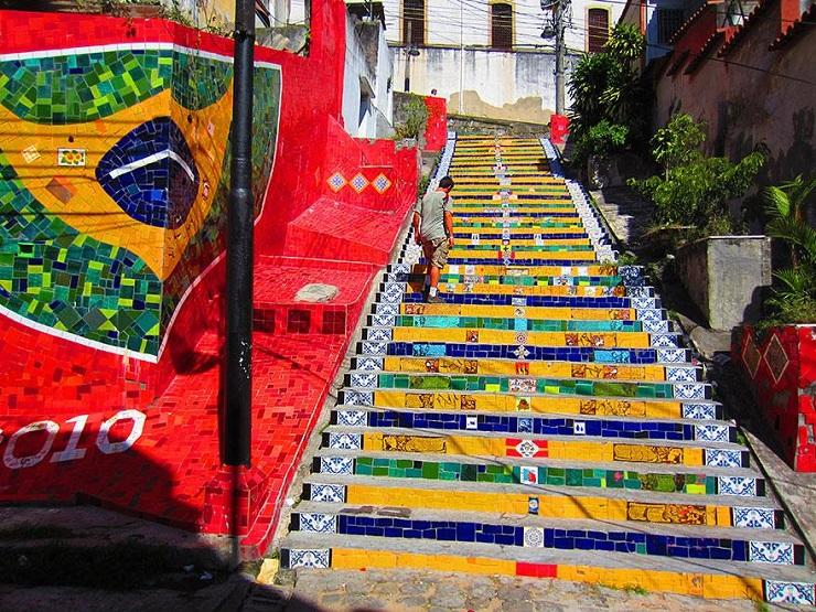 """""""17 delle più belle scale in tutto il mondo - Rio de Janeiro, Brazil""""  Il nostro articolo più popolare – 17 delle più belle scale in tutto il mondo 17 delle pi   belle scale in tutto il mondo Rio de Janeiro Brazil"""