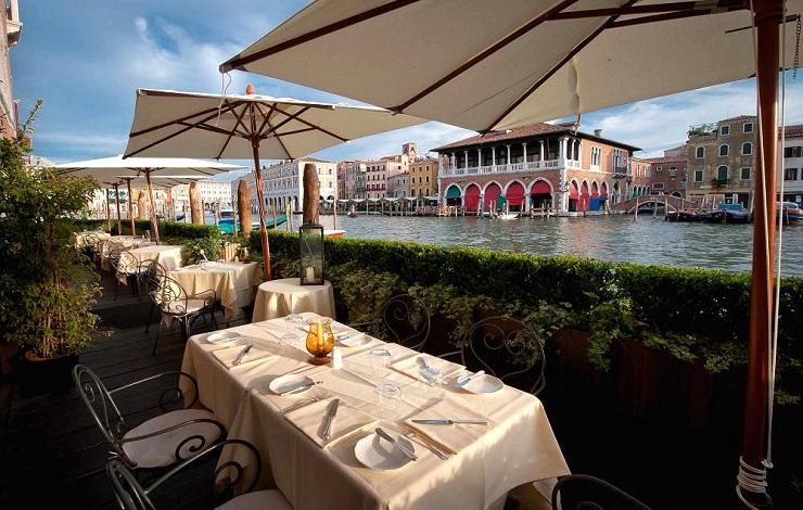 Guida turistica: Spazi di lusso a Venezia - L'Alcova Restaurant  Guida turistica: Spazi di lusso a Venezia Best Design Guides Venice LAlcova Restaurant