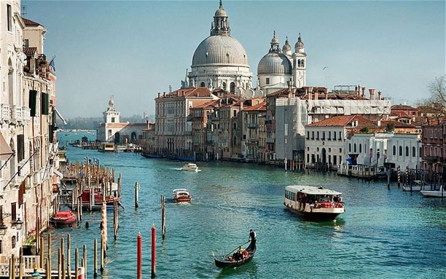 Guida turistico_ spazi di lusso a venezia