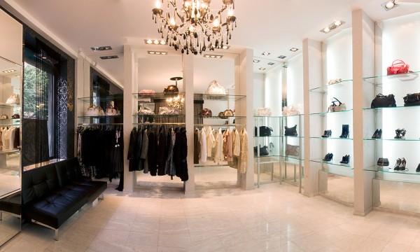 Boutique di lusso a Milano la Guida per la ragazza