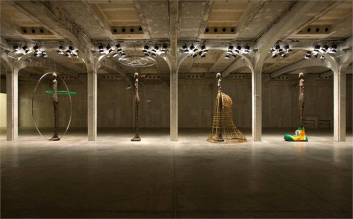 1Prada spazio di lusso Fondazione Prada il nuovo Spazio di Lusso, cultura e architettura 1Prada