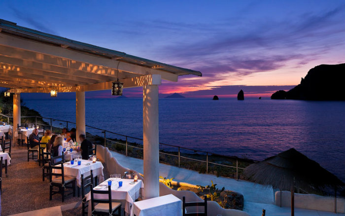 Eolie Therasia  Italia: 10 luoghi incredibili per le prossime vacanze Eolie Therasia