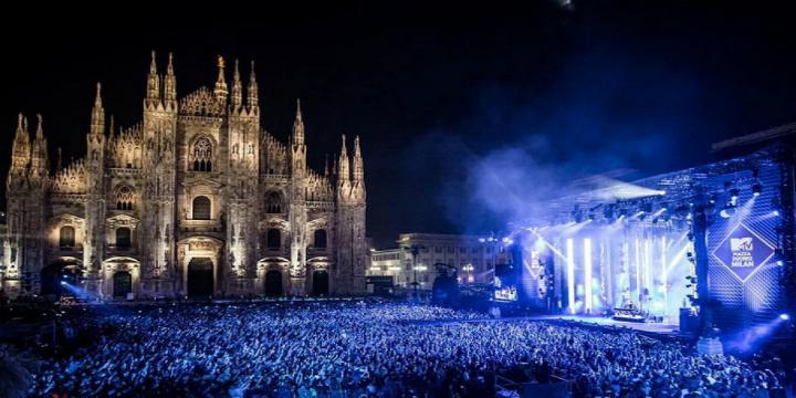 la capitale della moda ospita gli mtv europe music awards 2015 Duomo
