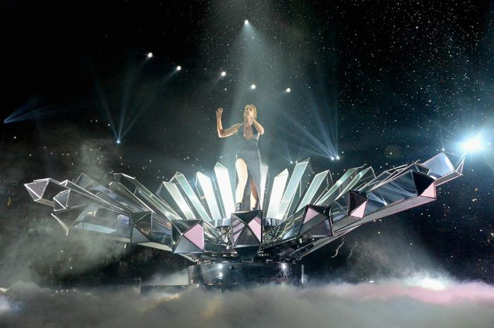 la capitale della moda ospita gli mtv europe music awards 2015 Ellie Goulding  La Capitale della Moda ospita gli MTV Europe Music Awards 2015 la capitale della moda ospita gli mtv europe music awards 2015 Ellie Goulding
