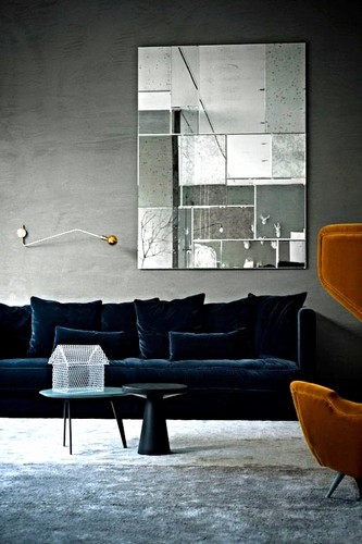 Top 17 divani moderni per un salotto moderno spazi di lusso for Divani velluto moderno