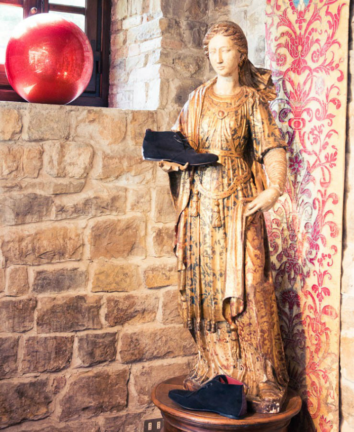 la-dolce-vita-di-cavalli-dentro-la-sua-lussuosa-villa-in-firenze (6)  La dolce vita di Cavalli – Una Visita Nella Lussuosa Villa in Firenze la dolce vita di cavalli dentro la sua lussuosa villa in firenze 6