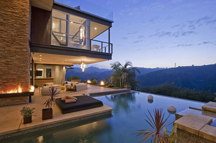 le-piu-belle-piscine-dei-vip- ashton-kutcher(2) Le Piú Belle Piscine Le Piú Belle Piscine dei Vip le piu belle piscine dei vip 2