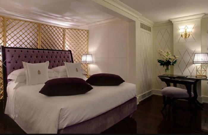 Comfort e design retrò nelle stanze del Villa Cora.4 design Comfort e design retrò nelle stanze del Villa Cora Comfort e design retro   nelle stanze del Villa Cora