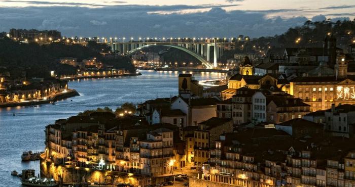 interior design Covet House: la migliore esperienza di interior design a Porto douro 4