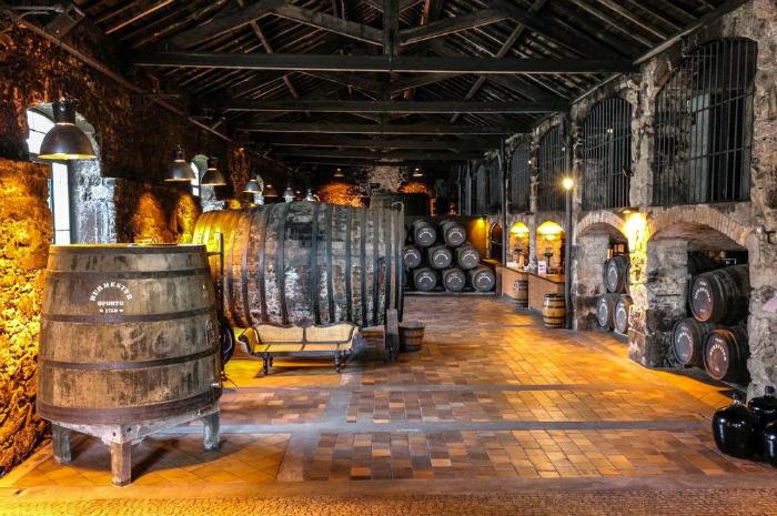 Covet House: Un esperienza di interior design indimenticabile interior design Covet House: la migliore esperienza di interior design a Porto Portogallo Cantina di vino Porto