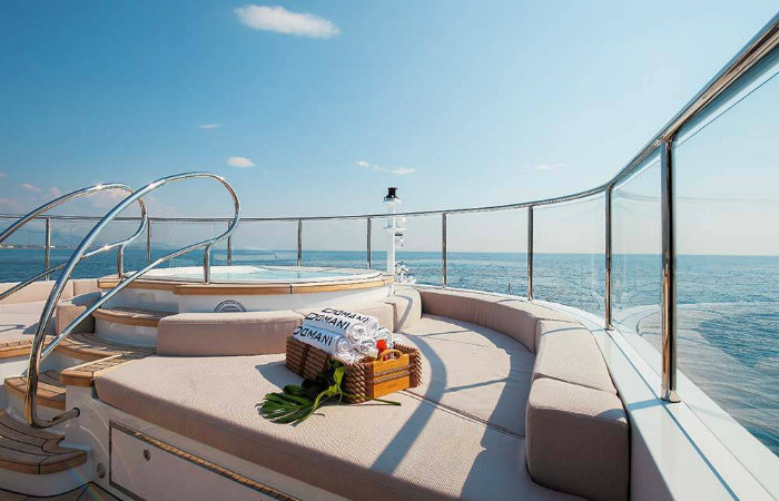 come scegliere un perfetto yacht di lusso in cui vivere.1 yacht di lusso COME SCEGLIERE UN PERFETTO YACHT DI LUSSO IN CUI VIVERE come scegliere un perfetto yacht di lusso in cui vivere