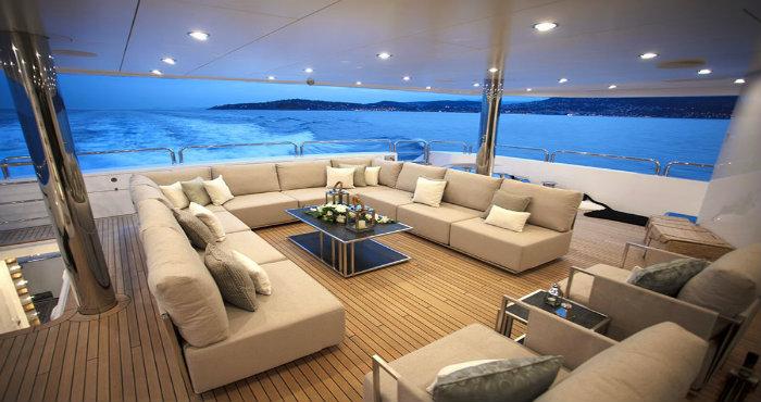 come scegliere un perfetto yacht di lusso in cui vivere