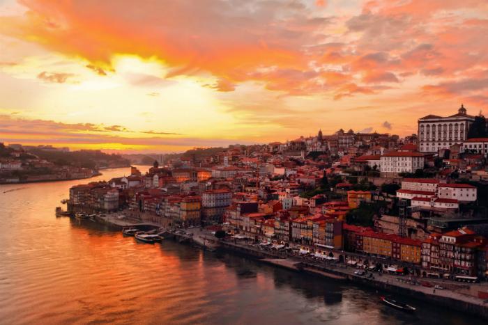 lista di buoni paesi per viaggiare da soli viaggiare da soli 5 fantastiche città da visitare anche solo portugal