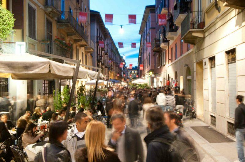 Settimana Del Design Di Milano: 5 Cose Da Fare In Città Durante L'Evento settimana del design milano Settimana Del Design Di Milano: 5 Cose Da Fare In Città Durante L'Evento brera 2 e1553682621775
