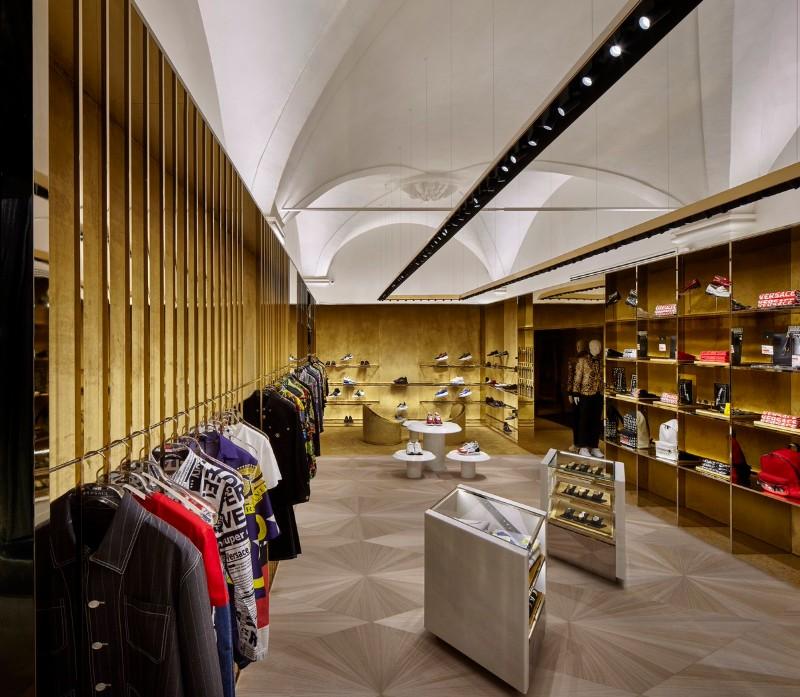 boutique boutique Le Boutique di Lusso in Italia progettate da famosi architetti D1TZREJXgAMUgFt