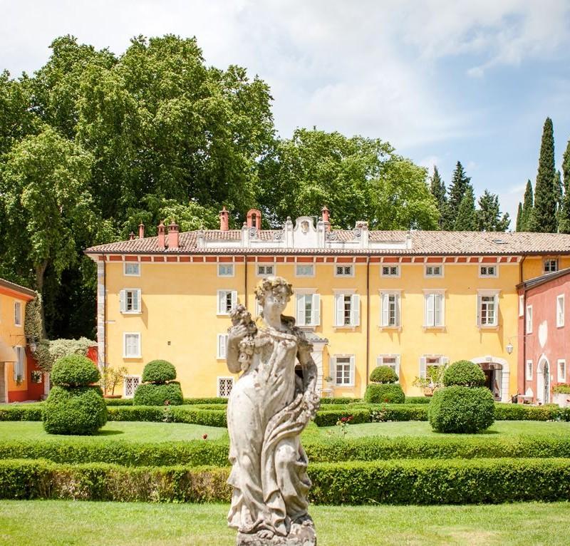 hotel TOP 5 : Hotel di Lusso sul Lago di Garda villa cordevigo header01