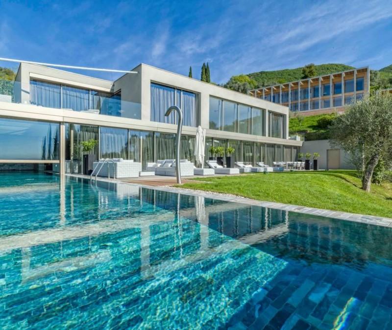 hotel hotel TOP 5 : Hotel di Lusso sul Lago di Garda villa eden 1