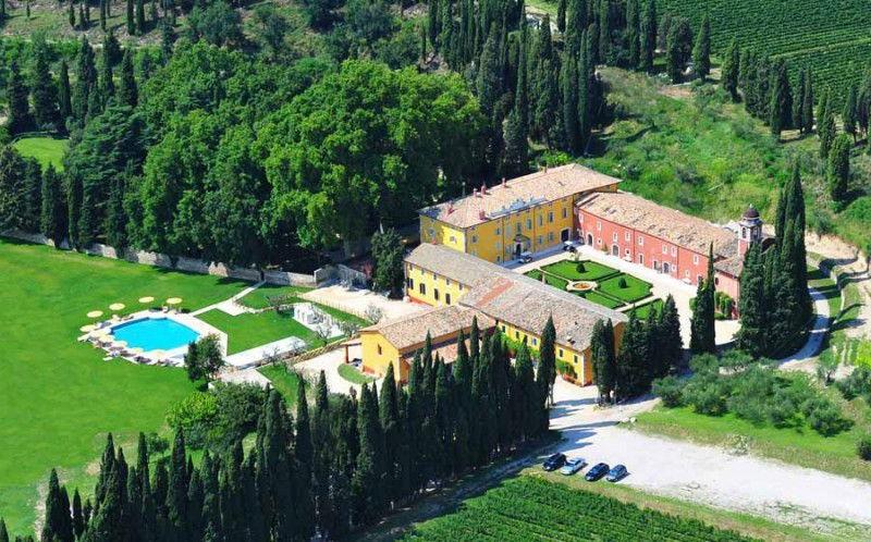hotel TOP 5 : Hotel di Lusso sul Lago di Garda villa cordevigo wine relais mat 2012